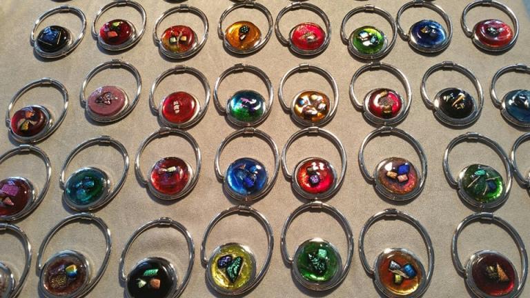 Accroche-sac en verre fusionné