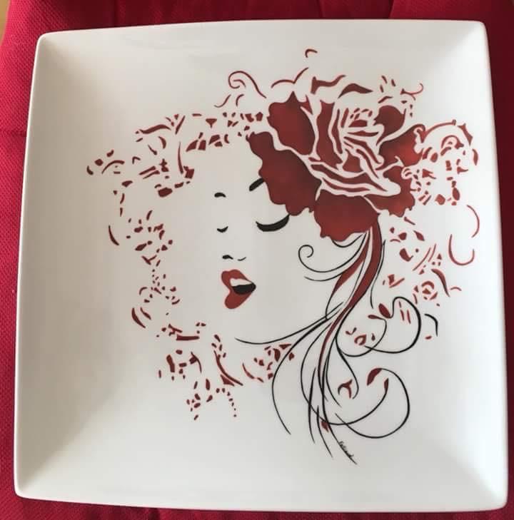 Plat porcelaine 30x30 peint à la main